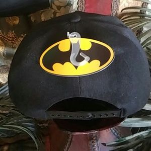 DC Comics Accessories - NWT BATMAN men s flat visor Ball Cap Metal Logo 0829c3463018